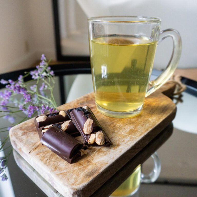 """Ik kan hier serieus 's ochtends al naar uitkijken; mijn """"thee met chocolade""""-moment 's avonds op de bank."""